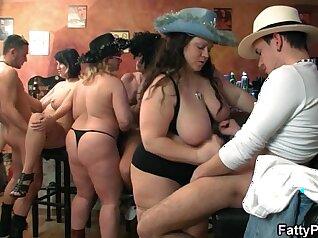Bubbles gangbanged in a ladies restaurant in bbw