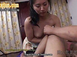 Amateur Japanese Step Sister Sucking Big Cock On Leg