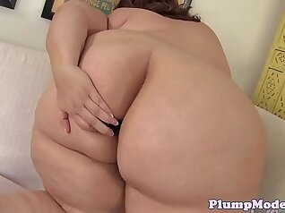 Beautiful Oriental Chubby Babes with Camel Toe in Tight Ass & Pussy