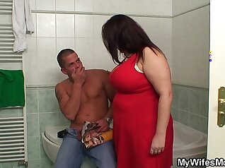 Busty Mom Seemingly wanking Devirgin..Best Cumshot EVER Teen Clip