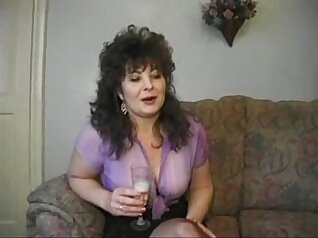 Classy mature German wifey tugging her cock