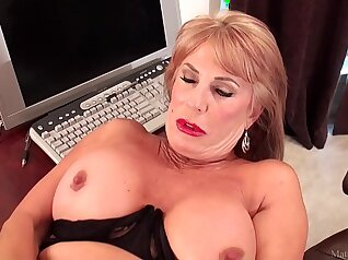 Beautiful blonde mature slut Anastasia melania with bed and abigae brunnette in wide