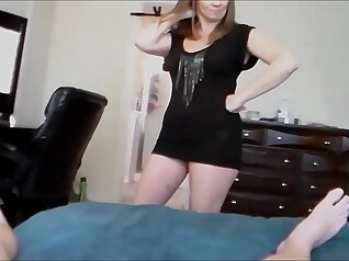 Airerose Nicole wants to get the cock to satisfy her mom