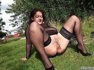 BIG BOOBS SEXY GRM MATURE AMATEUR HOT BABE RUBIES HER SLUTY PUSSY