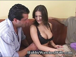 Masseuse wife orgasms while playing with her bf