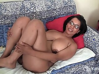 Big Booty Ebony Beauty Getting Feet Worshiped Before Vibrator Play