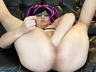 Boobylicious BBW,tatted with fisting & vibrator, gives nicely n stretched pussy